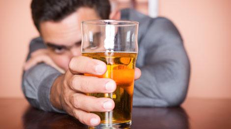 Minuman Beralkohol Ganggu Berpikir Jernih - www.fitnessformen.co.id