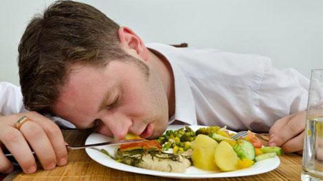 keracunan makanan - www.merdeka.com