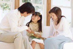 Tips Berbicara dengan Anak tentang Tragedi dalam Berita