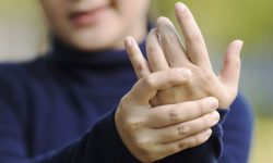 Knuckle Cracking (Kebiasaan Meregangkan Jari), Berbahaya atau Menjengkelkan?