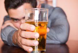 Minuman Beralkohol Berpotensi Ganggu Kemampuan Anda Berpikir Jernih