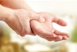 Terapi Pengobatan untuk Penderita Tremor