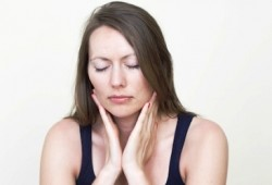 Cara Ampuh dan Aman Menghilangkan Sakit Tenggorokan