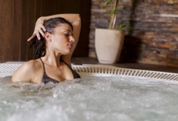 Terapi Air Hangat, Senjata Ampuh untuk Segala Keluhan Nyeri dan Kekakuan Otot
