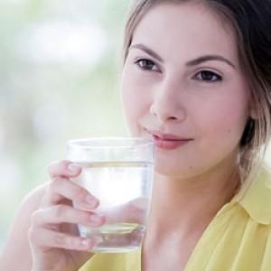 Minum Air Putih, Cara untuk Menghindari Kulit Kusam