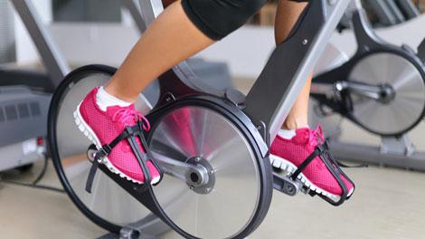 Latihan Spinning Bike - www.dwfitnessfirst.com