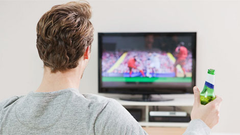 Menonton Olahraga - www.blibli.com
