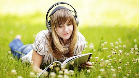 Mendengarkan Music - squline.com