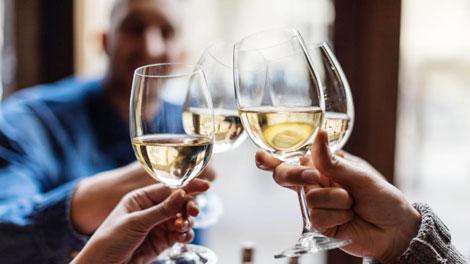Penggunaan Alkohol - www.medicalnewstoday.com