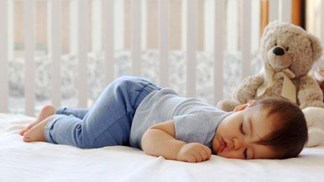 Tidur Aman untuk Bayi - www.romper.com