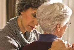 Genetika Tempatkan Wanita Usia Tua Berisiko Tinggi Terkena Alzheimer