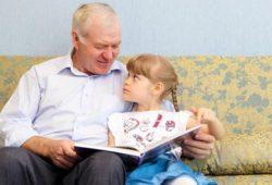 Ayah Tua Menghasilkan Anak Laki-Laki yang Cerdas?
