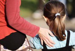 Gejala & Cara Mengatasi Kecemasan Anak Saat Kembali ke Sekolah