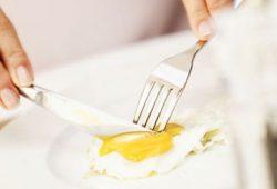Konsumsi Telur Tiap Hari Turunkan Risiko Jantung & Stroke?