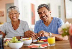 Tips Makan Sehat untuk Orang Tua