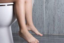 Cenderung Lama di Toilet? Waspada Masalah Pencernaan dan Usus Anda