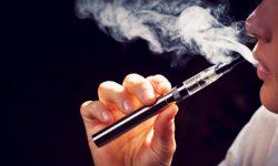 Awas, Rokok dan Vape Tingkatkan Risiko Terkena COVID-19