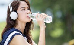 Minum-Air-Setelah-Olahraga