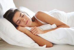 Terlalu Banyak Tidur Tingkatkan Risiko Penyakit Jantung & Kematian?