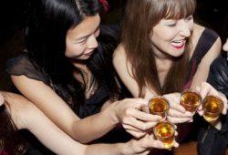 Berhenti Minum Alkohol Tingkatkan Kesehatan Mental pada Wanita