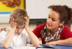 Awas, Remaja Keseringan Bermain Ponsel Berisiko ADHD