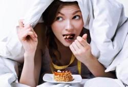 Benarkah Makan Sebelum Tidur Malam Hari Buruk Untuk Kesehatan?