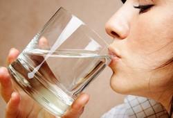 Manfaat Hebat 'Terapi Air Putih' untuk Kesehatan